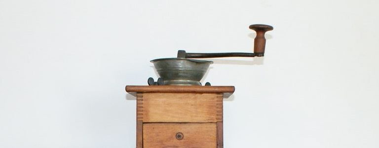 The 6 Best Wooden Box Coffee Grinders For Grind Size Consistency
